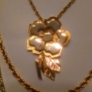 Unique vintage gold colored necklace